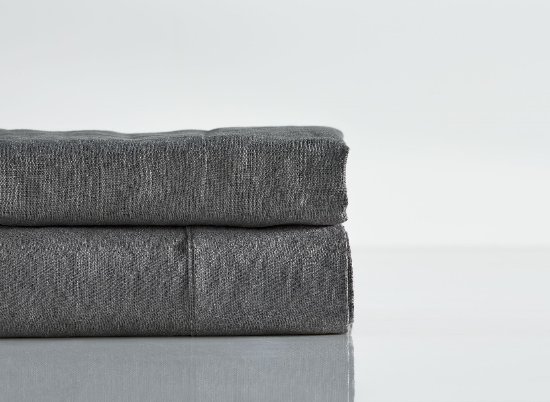 Picture of Pure Linen Pre Washed Sheet Set – Smoke