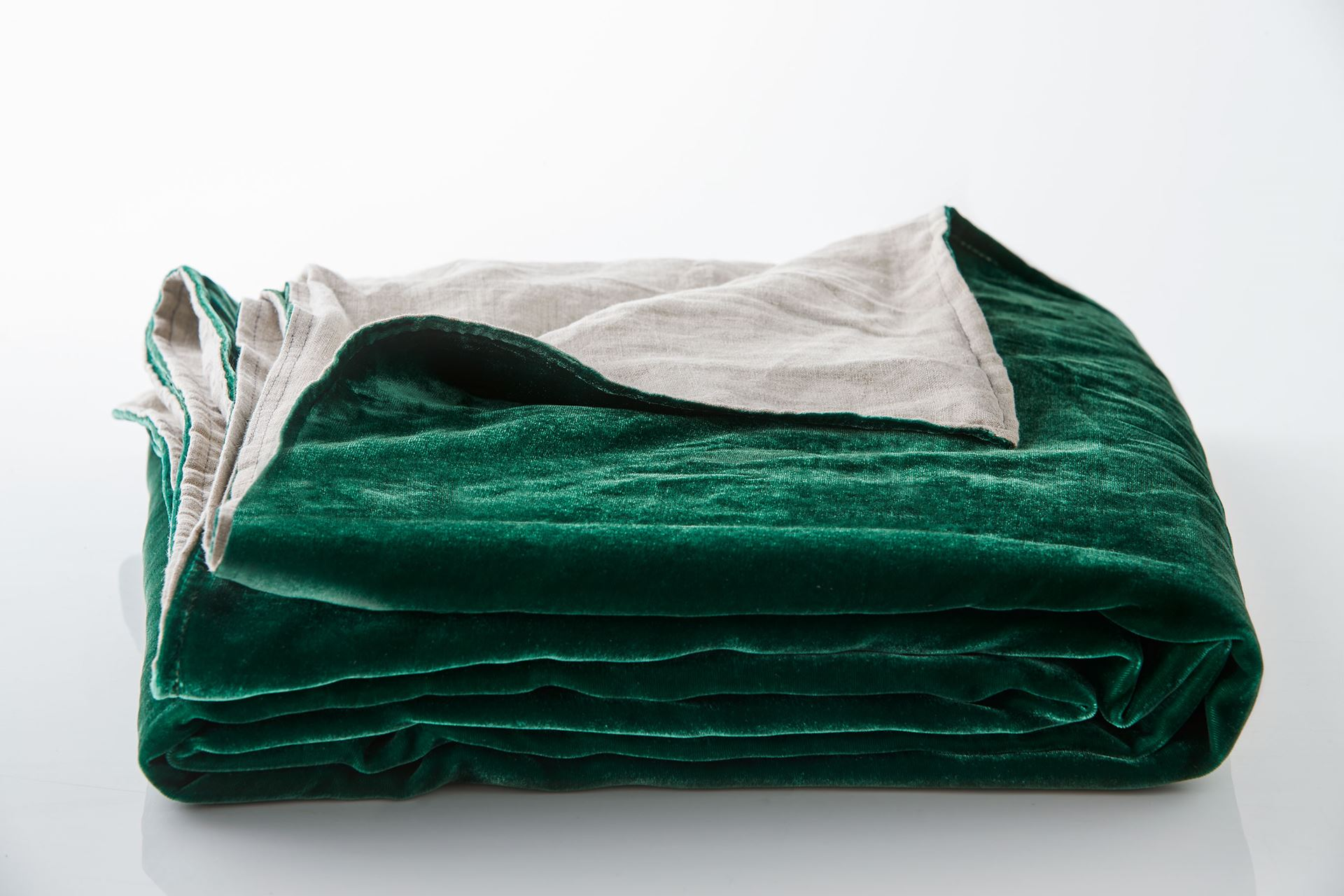 Picture of Silk Velvet Throw - Emerald