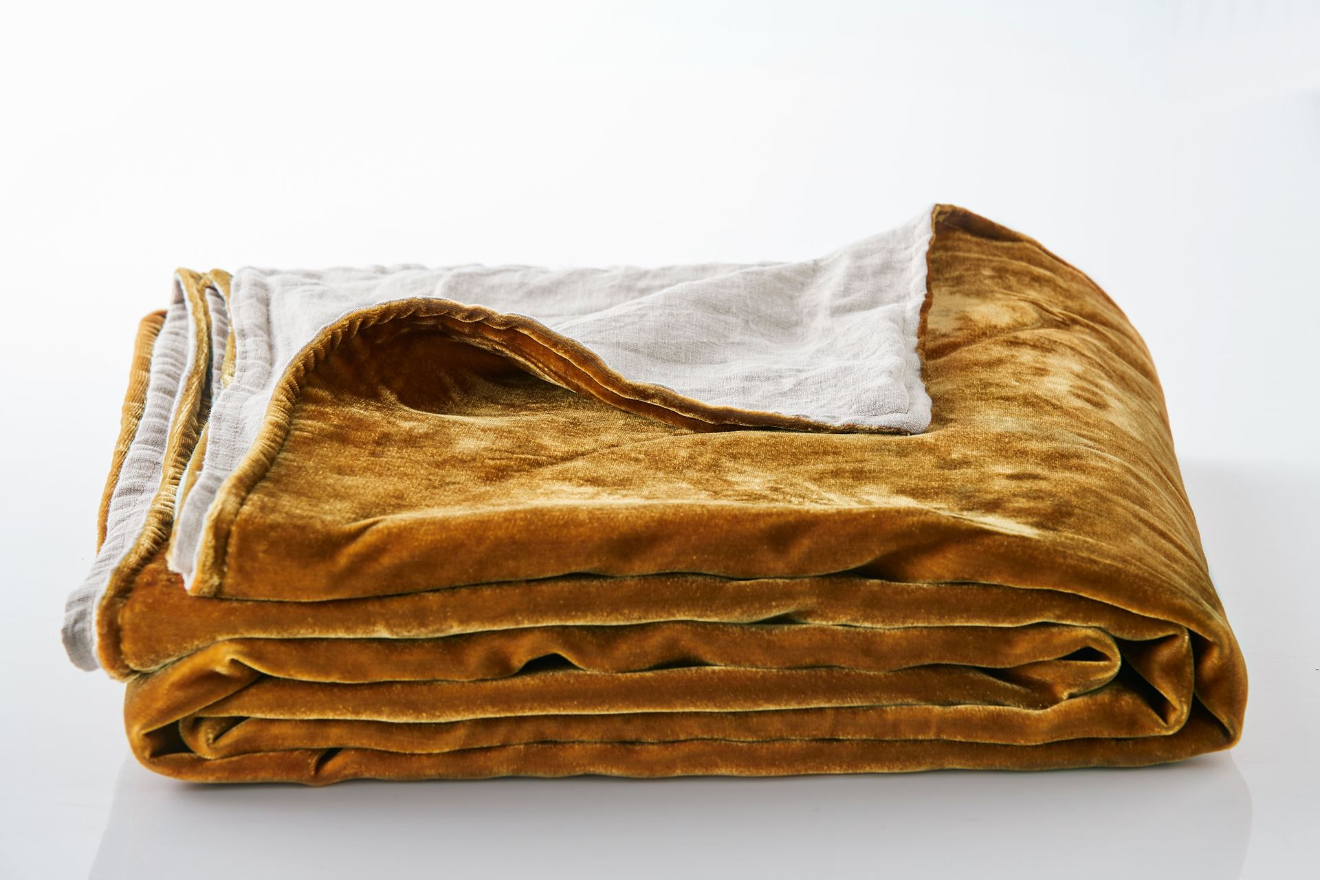 Picture of Silk Velvet Throw - Gold
