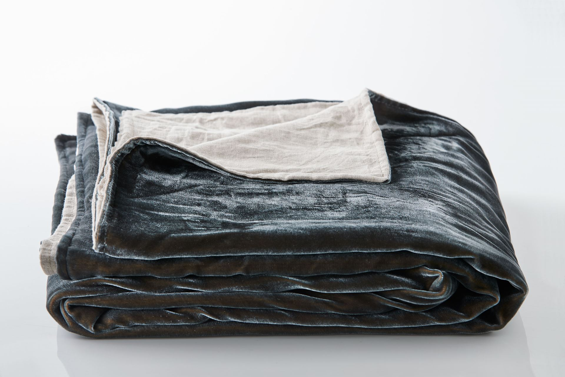 Picture of Silk Velvet Throw - Petrol