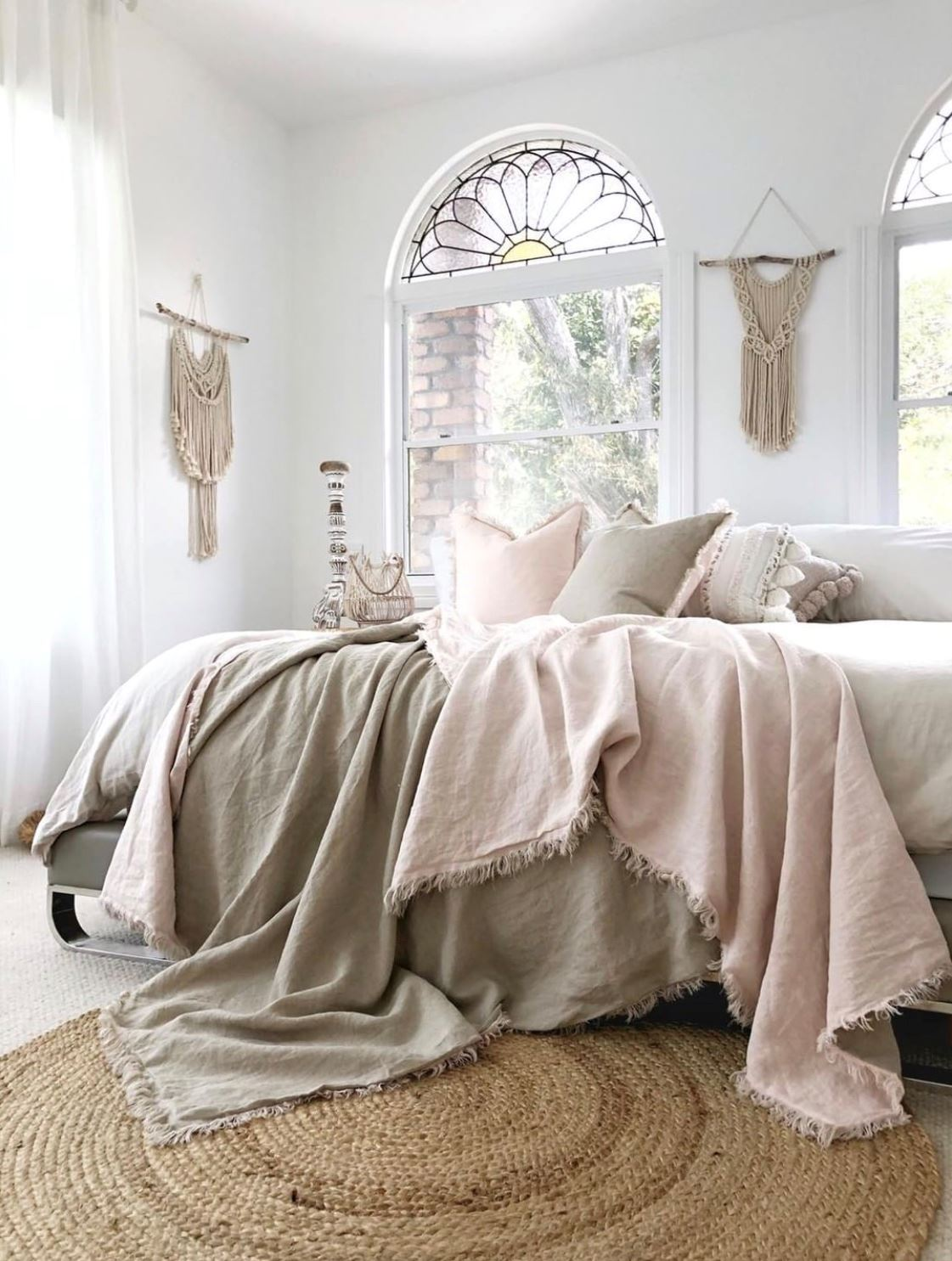 Picture of Linen Fringe Double Side Throw - Blush